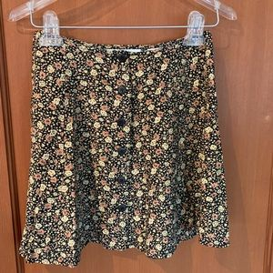Cutest Express Floral Skirt, Front Buttons Size5/6